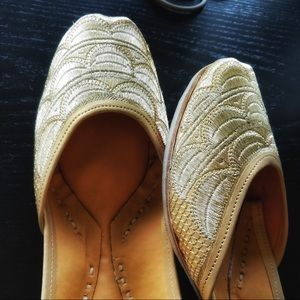 Shoes - New 2018 ! Soft Light Golden Jutti